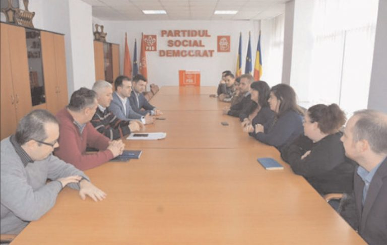 Preşedintele tinerilor democraţi din SUA, Louis David Elrod, în vizită la Târgovişte