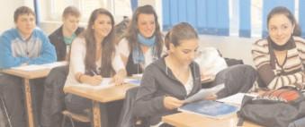 A fost reglementată utilizarea manualelor auxiliare în învăţământul preuniversitar