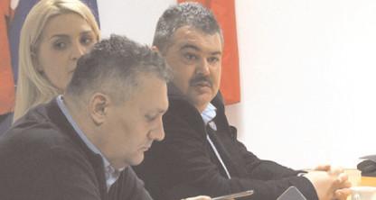 Daniel Comănescu, noul preşedinte al CJ Dâmboviţa şi vicepreşedinţi Luciana Cristea şi Alin Manole