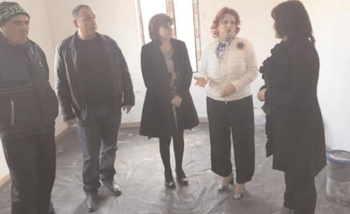 Cetăţenii din Bilciureşti şi Corneşti, la discuţii cu deputatul Claudia Gilia