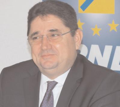 Marius Caraveţeanu despre şeful PSD Dâmboviţa: Erdogan de România