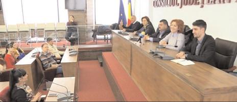 """50 de tineri din Ucraina au venit la CJ în cadrul proiectului """"Descoperă şi Cunoaşte România"""""""