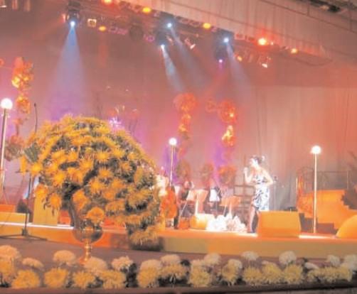 """""""Romanţa ne uneşte"""", tema Festivalului """"Crizantema de Aur"""", ediţia a 51-a"""