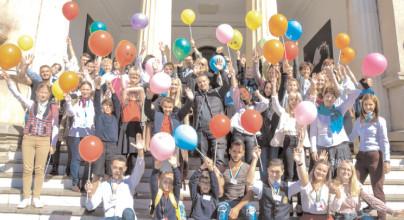 Elevi şi profesori din Marea Britanie, Finlanda şi Suedia, schimb de experienţă cu colegii din Dâmboviţa