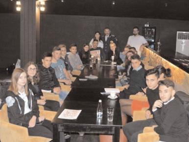 Cafeneaua Prevenirii, organizată de structura de prevenire a criminalităţii în Târgovişte