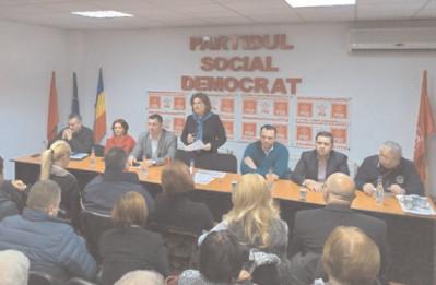 Rovana Plumb, preşedinte interimar al PSD Dâmboviţa, la întâlnirile cu activul de partid de la Titu şi Găeşti