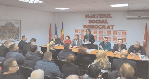 Rovana Plumb: CJ Dâmboviţa are nevoie de o mână forte care să poată să meargă mai departe spre construcţie