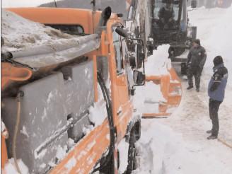 Avalanşă pe DJ 713 Dichiu Se ia în calcul măsura detonării pe porţiunile cu risc însemnat de avalanşă pe DJ 713-Dichiu