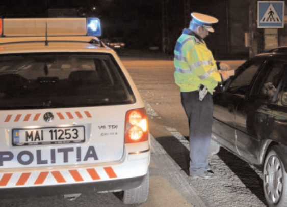 22 de infracţiuni constatate, 457 de amenzi aplicate, 15 permise de conducere reţinute şi 9 certificate de înmatriculare retrase