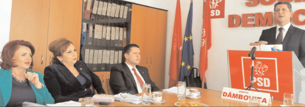 Senatorul PSD Dâmboviţa, Titus Corlăţean taxează dur propaganda mincinoasă şi manipulatorie a PNL, legată de creşterea alocaţiei pentru copii