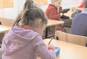 Învăţământul obligatoriu creşte. Caţi ani vor fi copiii obligaţi să stea la şcoală