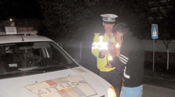 Prinşi la volan sub influenţa alcoolului şi a unor substanţe psihoactive