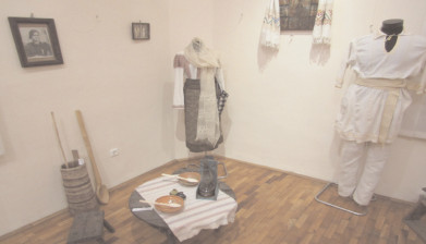 """""""Trecutul care mă zideşte"""" – o expoziţie despre frumuseţea satului vechi românesc"""