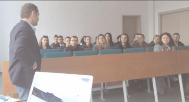 """Programul Back to University a ajuns şi la Universitatea """"Valahia"""" Târgovişte"""
