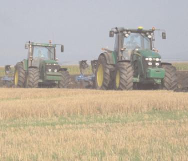 380 de fermieri dâmboviţeni sunt aşteptaţi să depună solicitările pentru subvenţia la motorină aferentă trimestrului I