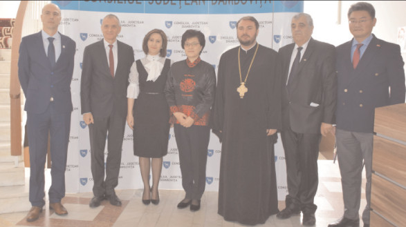 Delegaţia Exelenţelei Sale Jiang Yu, ambasadorul Republicii Populare Chineze în România a fost prezentă şi la CJ Dâmboviţa