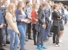 Absolvenţii au două luni la dispoziţie să se înregistreze în evidenţele oficiilor forţei de muncă