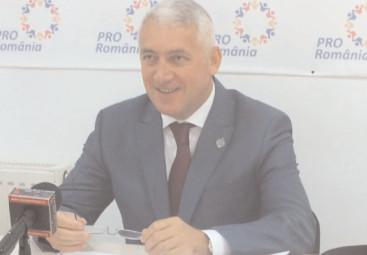 """Adrian Ţuţuianu, despre adoptarea Codului Administrativ prin ordonanţă de urgenţă: """"o gafă a guvernului"""""""