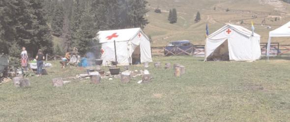 Crucea Roşie Dâmboviţa se pregăteşte pentru Tabăra de intervenţii în caz de dezastre în masivul dâmboviţean Bucegi
