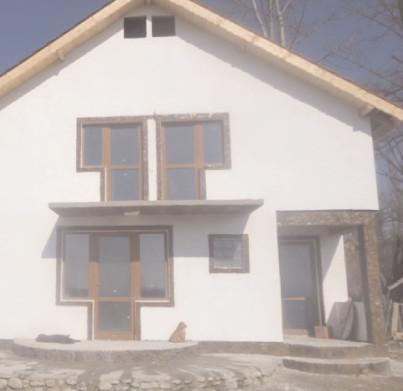 Mai puţine autorizaţii de construire eliberate în prima parte a anului
