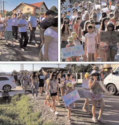 Protest împotriva fabricii de maţe care produce poluare olfactivă