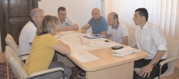 Şedinţă de analiză a studiilor de specialitate necesare construirii unei pârtii de schi în zona montană dâmboviţeană