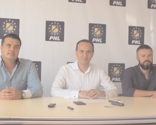 """În PNL Târgovişte nu este loc pentru traseiştii politici """"decuplaţi"""" de la ciolan"""