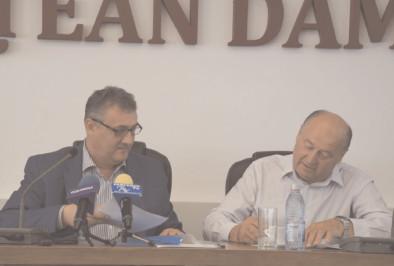 Şase contracte de asociere, semnate la CJ Dâmboviţa
