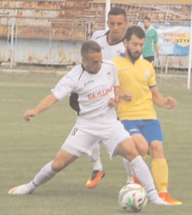 FLACĂRA CEDEAZĂ LA ROŞIORI Sporting Roşiori – Flacăra Moreni 1-0 (1-0)