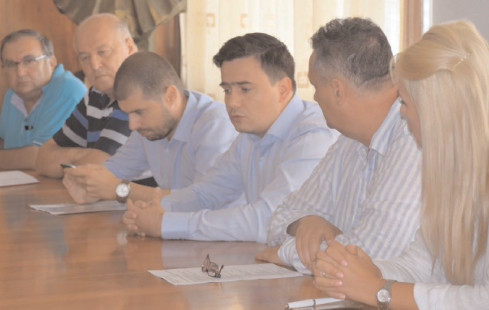Întâlnire cu constructorii mall-ului, la sediul CJD