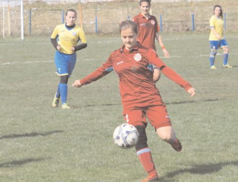 CSŞ TÂRGOVIŞTE, UN NOU EŞEC ÎN CAMPIONATUL DE FOTBAL FEMININ Liga 1 rezervată fetelor a programat în acest weekend cinci din cele şase meciuri ale etapei cu numărul trei!
