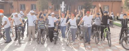 """""""Mişcarea înseamnă viaţă. Veniţi să pedalăm!"""", concurs de ciclism la Cojasca"""