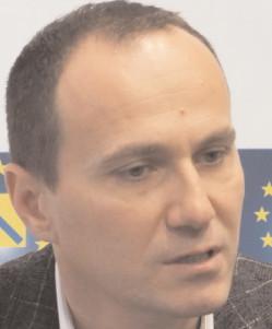 """Aurelian Cotinescu, preşedinte PNL Târgovişte: """"România intră într-o perioadă nouă, o perioadă de reformulare a valorilor democratice, sociale şi economice"""""""