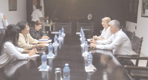 """O delegaţie a Universităţii """"Valahia"""" a efectuat, săptămâna trecută, o vizită la Universitatea din Havana"""