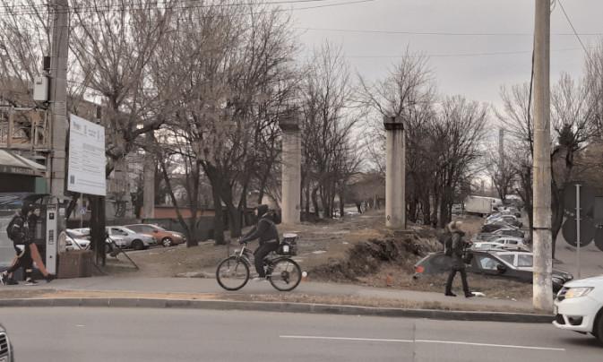 Pistă de biciclete spre viitoarea zonă comercială de la gară