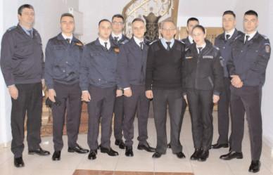 """Opt studenţi de la Academia de Poliţie """"Alexandru loan Cuza"""" Bucureşti fac stagiul de practică la Jandarmeria Dâmboviţa"""