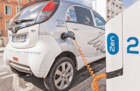 """""""Rabla Plus"""" menţine cea mai mare primă din Europa la achiziţia de maşini electrice"""