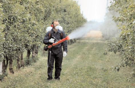 Fermierii sunt puşi în gardă cu privire la riscurile achiziţionării şi utilizării produselor fitosanitare contrafăcute