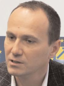 Preşedintele PNL Târgovişte acuză presiuni şi ameninţări la adresa unor colegi, salariaţi ai primăriei