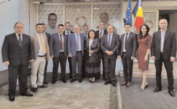 Senatorul Adrian Ţuţuianu a prezentat al treilea lot de candidaţi pentru funcţiile de primar din partea Pro România