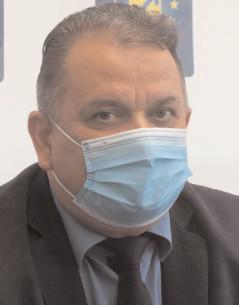 """Preşedinte PNL Dâmboviţa: """"Oricine din Dâmboviţa să dea concurs cu sora mea! Dacă o bate, eu mă las de politică!"""""""