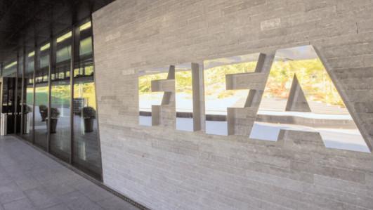 Noi amendamente la normele FIFA privind statutul şi transferul jucătorilor