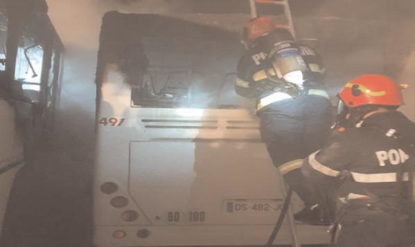 La fosta autogara Mondotrans au ars mai multe autobuze