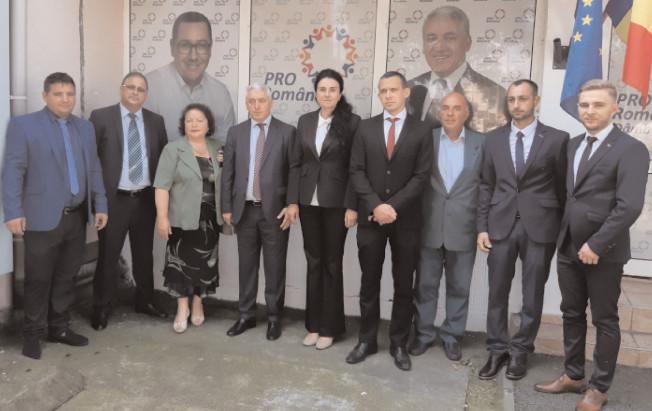 Pro România Dâmboviţa: Senatorul Adrian Ţuţuianu a prezentat al VII-lea lot de candidaţi