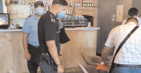 POLIŢIŞTII DÂMBOVIŢENI AU ACŢIONAT PENTRU PREVENIREA RĂSPÂNDIRII SARS-COV2