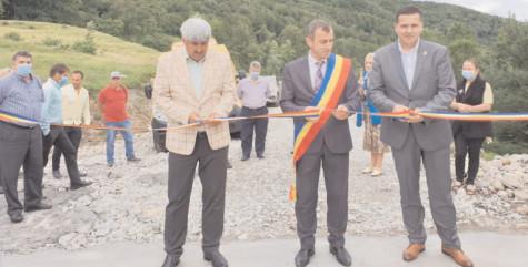 La Moroeni, a fost finalizată platforma comunală pentru gunoiul de grajd