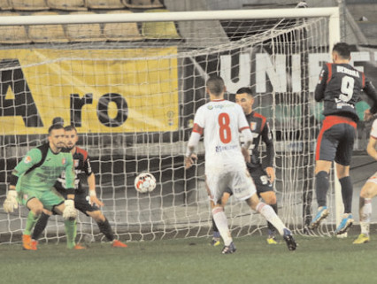 CHINDIA, ÎN GENUNCHI! Sepsi OSK Sf. Gheorghe – Chindia Târgovişte 2-0 (1-0)