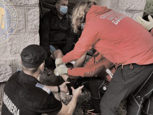 Jandarmeria şi Salvamont au dat primul ajutor unui turist accidentat în Cheile Zănoagei