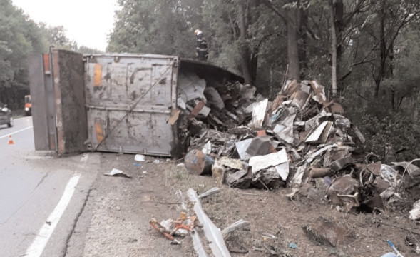 Asigurare zonă la un accident rutier produs în localitatea Dragodana