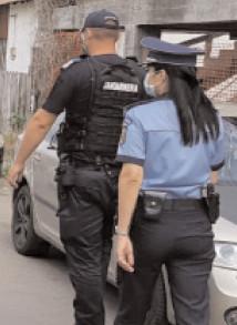 Recomandările poliţiştilor pentru o adolescenţă în siguranţă